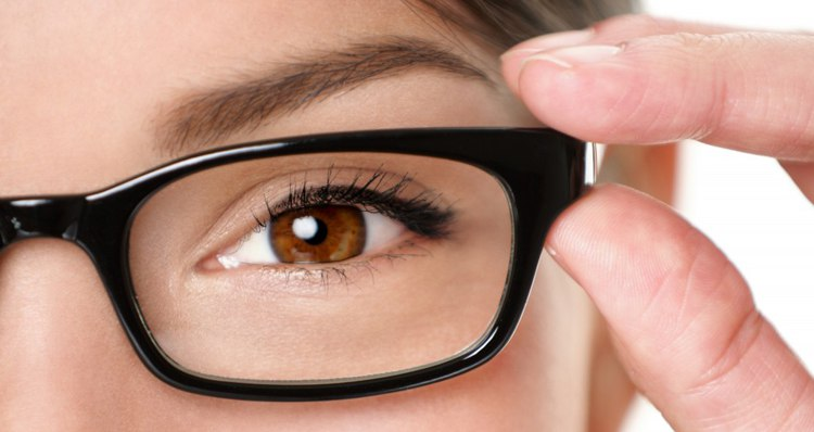 Гипергликемия разрушает сосуды и ухудшает зрение
