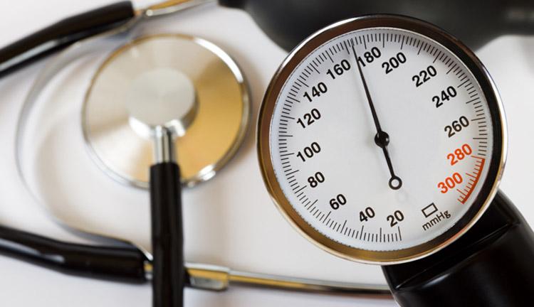 Гипертония одна из причин инсульта