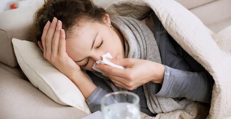 Причиной температуры может стать простуда